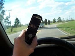 M_Cell_phone_use_while_driving
